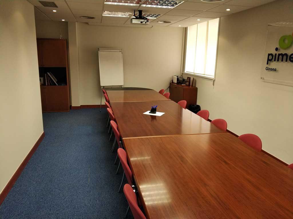 Sala de reunions o exposicions PIMEC Girona i Giworking